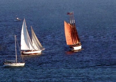 Curlew moves in to attack the 130ft three masted schooner American Pride.