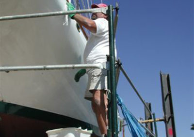 Roger…rolls and tips the one part topside paint.